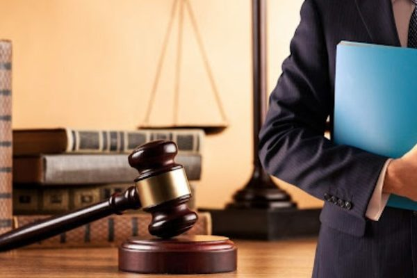 Why Look for an Employment Attorney Residing Nearby